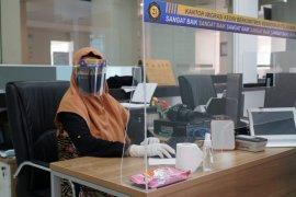 Kantor Imigrasi  mulai buka antrean pelayanan paspor melalui aplikasi