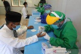 Pemprov mulai tes cepat COVID-19 santri dayah di Aceh