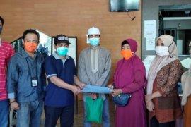 Keluarga sukacita sambut pasien COVID - 19 sembuh di Ternate
