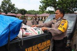 Polres Langkat bagikan 12 ton beras bantuan Mabes Polri