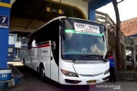 Pengusaha bus AKAP Garut keluhkan aturan SIKM