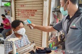 Jadi klaster penularan COVID-19,  Pasar Cileungsi Bogor tetap buka dengan protokol kesehatan
