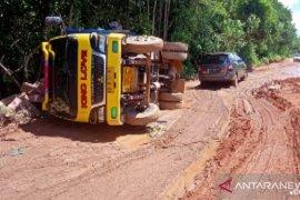 Kayong Utara koordinasikan dengan Pemrov Kalbar kondisi jalan provinsi rusak