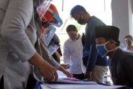 Pemkot Kediri gandeng Bank Jatim bagikan bahan pokok untuk mahasiswa
