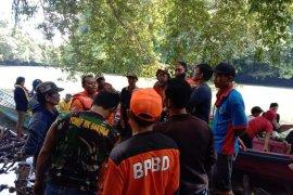 Tim dirikan posko pencarian korban tenggelam di sungai Mendalam