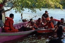 Tim gabungan cari korban longboat karam di sungai Mendalam Kapuas Hulu