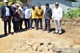 Bupati Citra dan DPRD Kalbar tinjau kondisi Jalan Siduk- Teluk Batang