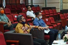 Jauhar salah satu narasumber pada diskusi SDGs pasca COVID-19