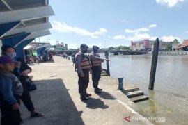 Satpolair selidiki orang tenggelam di Darmaga Pasar Baru