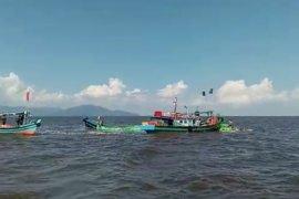 Kapal motor angkut 110 ton berbagai sembako karam di perairan Sukadana