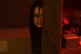 """Dibalik Tatjana Saphira digaet untuk film """"Perempuan Bergaun Merah"""""""