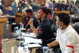 Datangi DPRK Bener Meriah massa tuntut kinerja dan tanggungjawab pemerintah daerah
