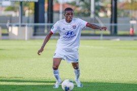 Milan dilaporkan bajak bek muda Olympique  Lyon Pierre Kalulu