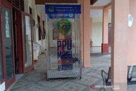 Dinkes Kabupaten Penajam perbaiki bilik sterilisasi  yang rusak