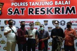 Polisi Tanjung Balai ringkus tiga pencuri sarang burung walet