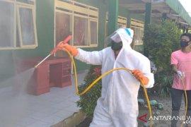 PMI Jatim lakukan penyemprotan disinfeksi ke ponpes