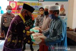 Bupati HST salurkan bantuan kepada ulama dan kaum masjid