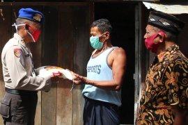 Ratusan nelayan terima bantuan COVID-19 dari Polda Aceh