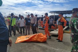 Tim SAR gabungan temukan ABK jatuh dari kapal di Pelabuhan Munte