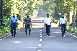 Presiden Joko Widodo berolahraga pagi bersama para kepala staf TNI