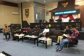 Lima Raperda dari inisiatif DPRD Kota Banjarmasin diuji publik