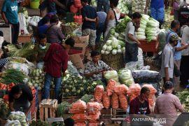 Pengelola pasar tradisional diminta meningkatkan disiplin dampak pandemi