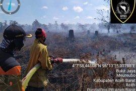 Kebakaran lahan di Aceh Barat masih sulit dipadamkan