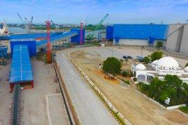 Optimalkan layanan terminal curah kering di Pelabuhan Belawan, Pelindo 1 - FKS Solusi Logistik tanda tangani kerja sama pengoperasian