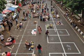 49 Pasar Krempyeng di  Surabaya ditata sesuai protokol kesehatan