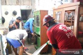 PMI kirim relawan bantu penanganan longsor dan banjir di Sulsel
