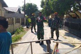 Warga Riau bersyukur selamat setelah rumahnya hancur tertimpa pesawat TNI
