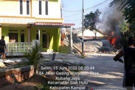 TNI evakuasi badan pesawat jatuh di Riau