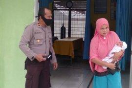 Sesosok bayi perempuan ditemukan di depan rumah warga di Aceh Timur