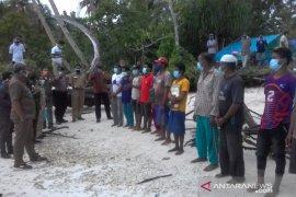 Gugus Tugas COVID-19 Malra amankan dua kapal nelayan pencari telur ikan asal Buton