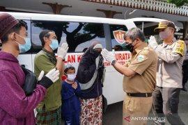 Satu keluarga positif COVID-19 di Garut dinyatakan sembuh