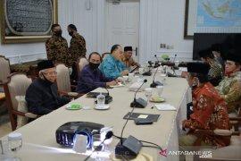 Wapres Ma'ruf Amin terima Menkopolhukam dan ormas Islam bahas penolakan RUU HIP