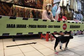 Vendors at Yogyakarta's Beringharjo turn to online sales amid pandemic