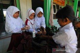 Mendikbud: Sekolah zona hijau tak dilarang tatap muka