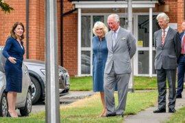 Keluarga kerajaan Inggris tampil di depan publik lagi sejak pandemi corona