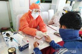 Hasil rapid test massal oleh BIN di Pasar Cibinong, 12 orang reaktif (video)