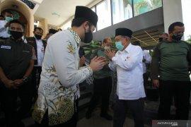 Jusuf Kalla Kunjungi Masjid Al Akbar Surabaya