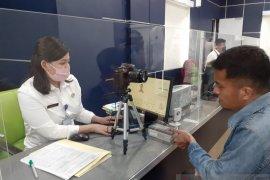 Sempat ditutup, Imigrasi Batam kembali buka pelayanan paspor