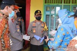Kapolda Bengkulu Teguh Sarwono pastikan pemakaman jenazah COVID-19 sesuai protokol