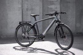 Sejarah bagi Triumph, perkenalkan sepeda listrik pertama berharga Rp52 juta