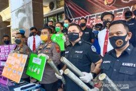 Polisi Karawang tangkap 20 pengedar narkoba berbagai jenis
