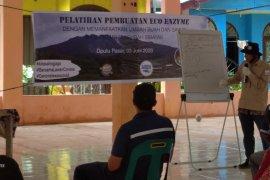 Tirta Sibayakindo selenggarakan pelatihan pembuatan eco enzyme di Doulu