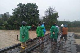 Banjir kepung Morut,  Sulawesi Tengah tak ada korban jiwa, kerugian miliaran rupiah