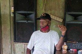 Ondoafi Skouw Stanis Tanfa Chilong ajak warga jaga kamtibmas di Papua