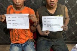Dua pengedar narkoba tertangkap, kelabui petugas simpan sabu di kamar hotel