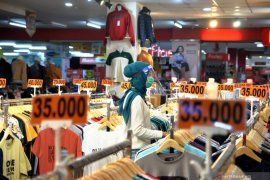 Task Force reiterates health advice for malls, shopping centers